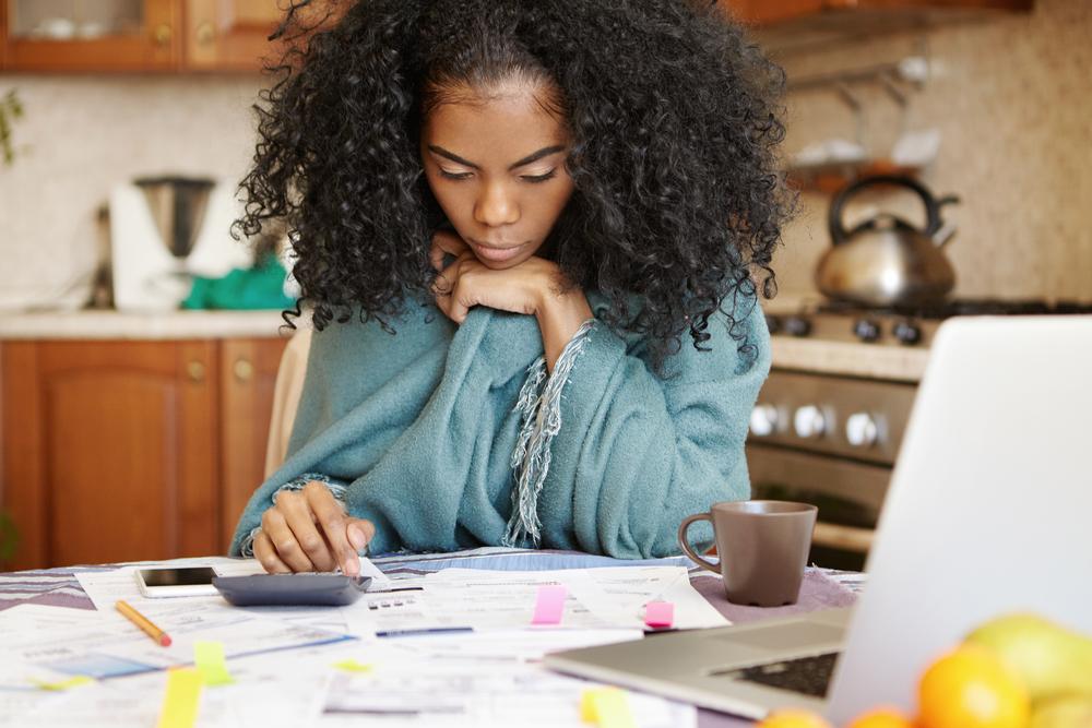 Comme pour toute entreprise, chez tout particulier, l'imprévu fait partie de la vie. Lorsqu'il est financier, il peut vite s'avérer ennuyeux. C'est pourquoi il faut savoir parer à toutes les éventualités, en pensant aux imprévus dans votre gestion financière.  Voici tous nos conseils pour comprendre ce qu'est un imprévu financier, et comment l'inclure dans votre plan de finances.
